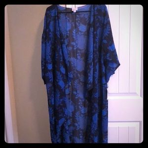 trendy duster is a size large by LulaRoe